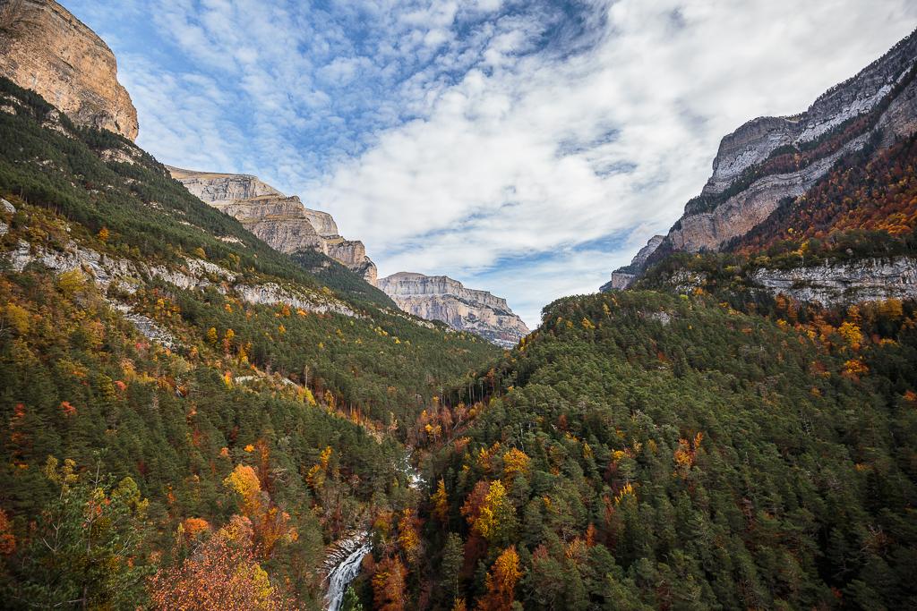 Entrada al valle de Ordesa, camino de la pradera