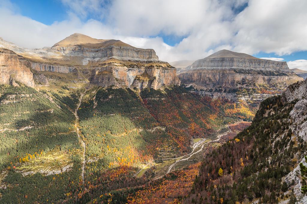 Vista de la pradera de Ordesa desde lo alto del valle