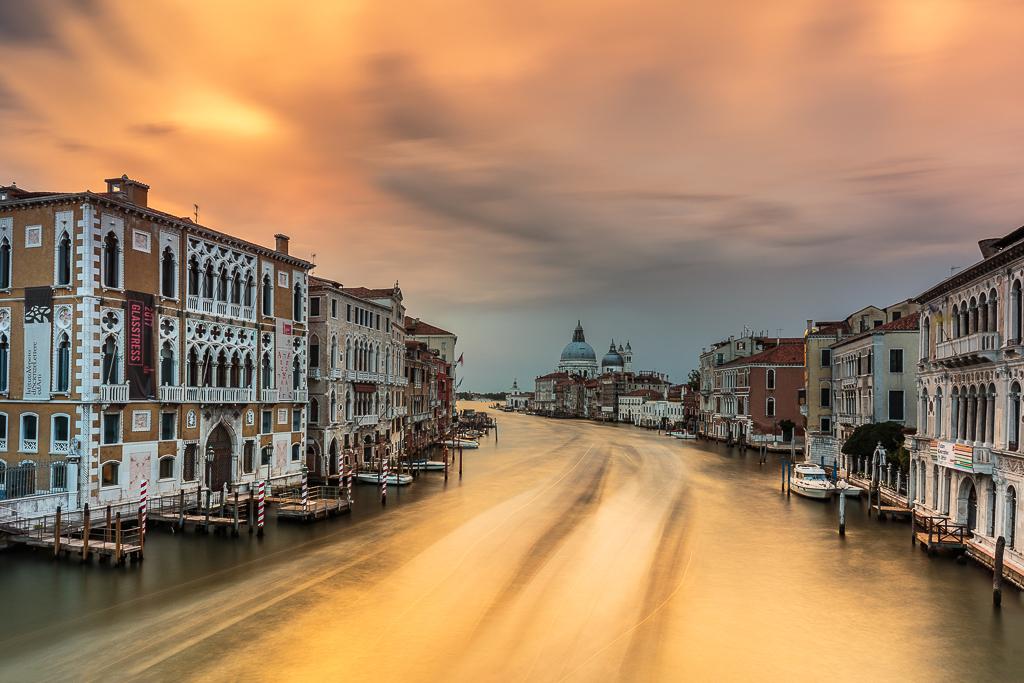 travel-venecia-basilica-santa-maria-salute