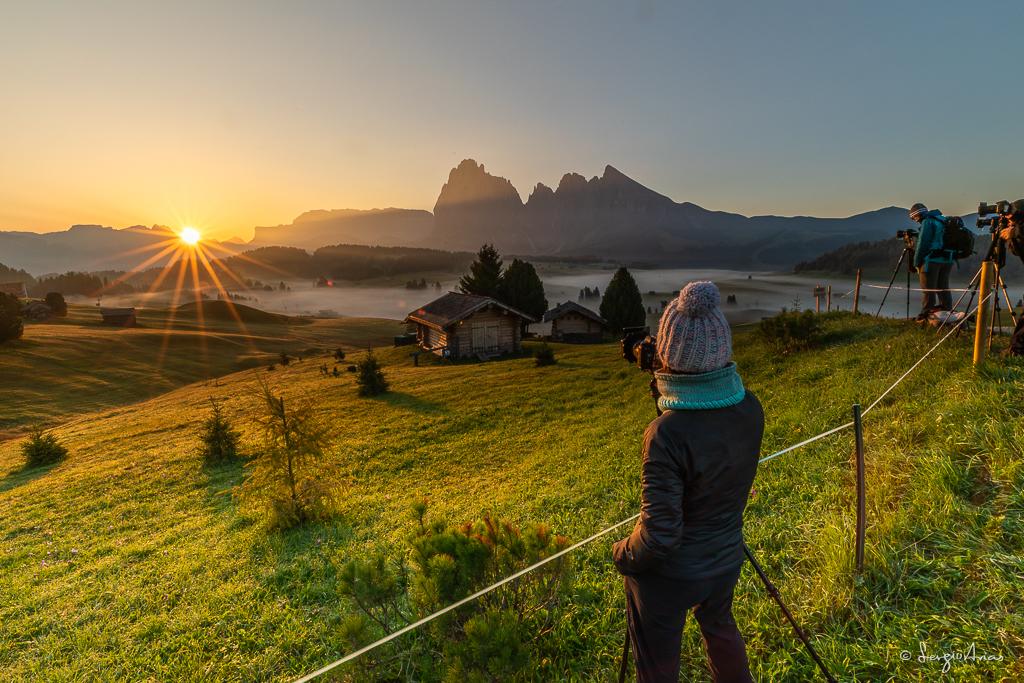 Me encanta el momento en el que el Sol asoma por detrás de las montañas. Todos estábamos listos para disparar a mi señal.