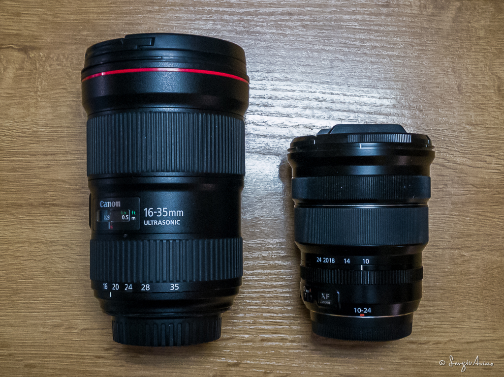 Podemos ver la diferencia entre el Canon 16-35mm y el Fujinon 10-24mm. Son equivalentes, ya que la Fuji tiene un sensor APS-C y hay que aplicar el factor de multiplicación de 1,5x a la distancia focal del objetivo, lo que nos daría un 15-36mm