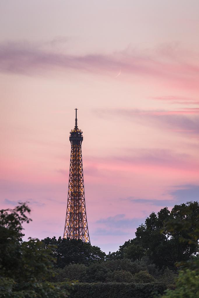 La Luna y la Torre Eiffel - París - Sergio Arias Ramón