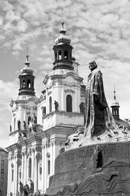 Jan Hus y la iglesia de San Nicolás - Praga - Sergio Arias Ramón