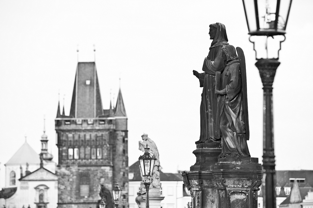 La estatua y el Puente de Carlos - Praga - Sergio Arias Ramón