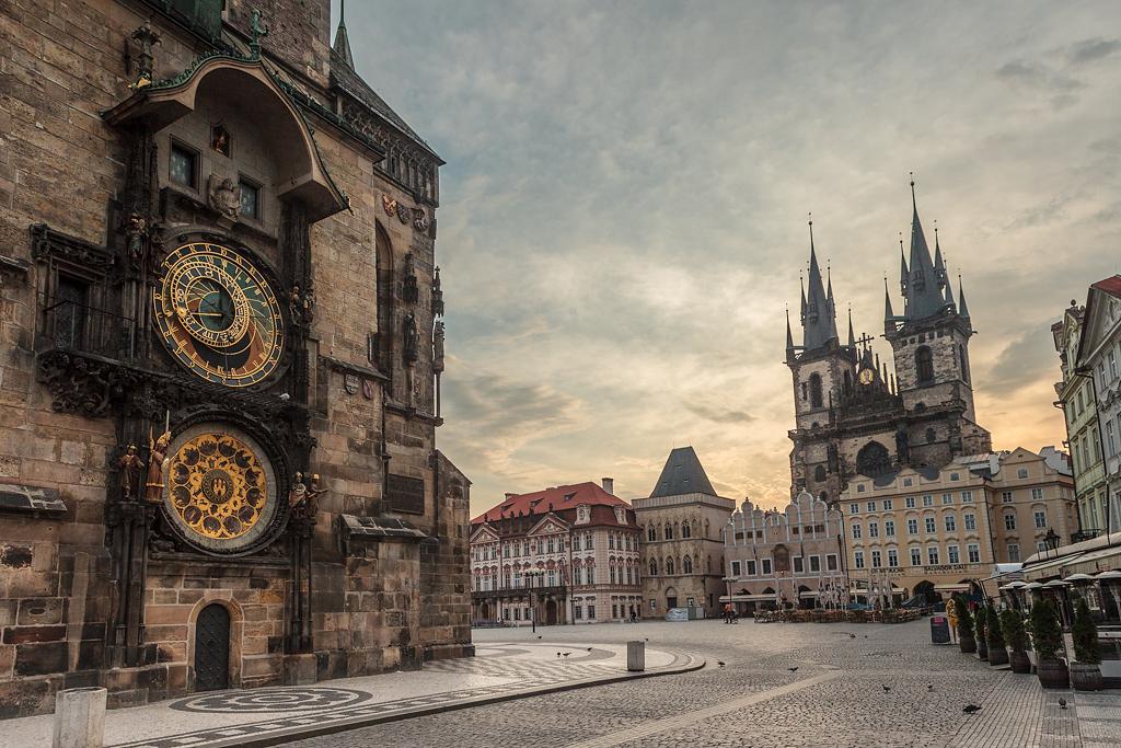 Reloj Astronómico y la Iglesia de Tynn - Praga - Sergio Arias Ramón