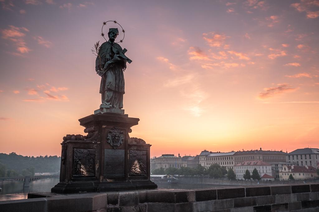 Estatua de San Juan de Nepomuceno en el Puente de Carlos - Praga - Sergio Arias Ramón