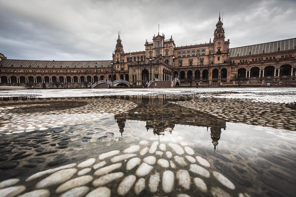 Reflejos en la Plaza de España - Sergio Arias Ramón