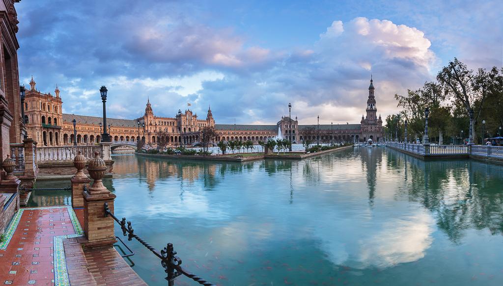 Preciosos colores del atardecer en la Plaza de España - Sergio Arias Ramón