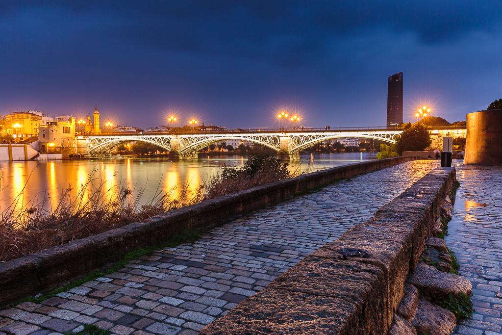 Hacia el Puente de Triana - Sergio Arias Ramón